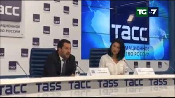 Salvini a Conte: bravo, stiamo svegliando l'Europa